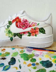 painted shoes nike VSCO - use to get your photos republished Painted Canvas Shoes, Custom Painted Shoes, Painted Sneakers, Hand Painted Shoes, Painted Clothes, Custom Shoes, Customised Shoes, Sneaker Art, Nike Air Shoes