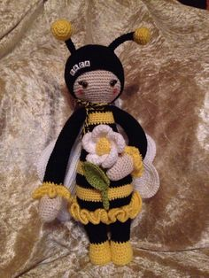bee mod made by Sonja F. / crochet pattern by lalylala