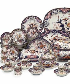 An assembled derby porcelain part dinner and dessert service   early 19th century.