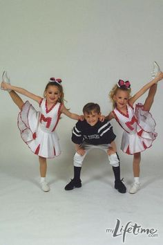 Dance Moms star, Paige in personal dance photos with sister, Brooke! Dance Moms Memes, Dance Moms Costumes, Dance Moms Funny, Dance Moms Facts, Dance Moms Dancers, Dance Mums, Dance Moms Girls, Dance Outfits, Dance Dresses