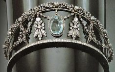 Europe's Royals — tiarascrowns: A kokoshnik and garland style...