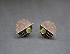 Sterling silver disc studs with peridot. Stud by Kailajewellery