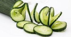 Cucumber Benefits is a very healthy vegetable, known for its particular flavor and for being one of the superfoods. The benefits of cucumber for health Weight Loss Detox, Weight Loss Drinks, Weight Loss Smoothies, Lose Weight, Lose 15 Pounds, Losing 10 Pounds, Cucumber Health Benefits, Cucumber Nutrition, Cucumber On Eyes
