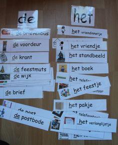 """Maak 2 brievenbussen met daarop de lidwoorden """"de """" en """"het """". waar moeten de volgende woorden in gedaan worden ? Learn Dutch, School Hacks, Kids Education, Kids Learning, Spelling, Letters, Teaching, Logos, Early Education"""