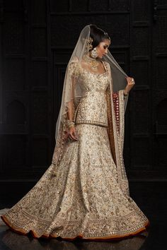 Tarun Tahiliani: Modern Mughal's Collection (love how it frames the body)