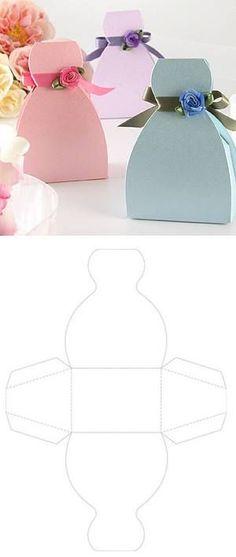 En tu despedida de soltera, no pueden faltar estos mini vestidos decorativos.