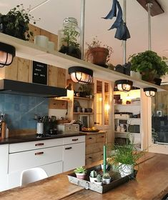 Best of Interior Design and Architecture Ideas looking inside at my house Interior Design Home The post Best of Interior Design and Architecture Ideas appeared first on Lampe ideen. Kitchen Interior, Interior Design Living Room, Kitchen Decor, Cozy Kitchen, Sweet Home, Home Decor Inspiration, Home Kitchens, New Homes, House Design
