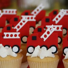 Fire Trucks standing up on cupcakes. Couture Cupcakes & Cookies: Cupcakes