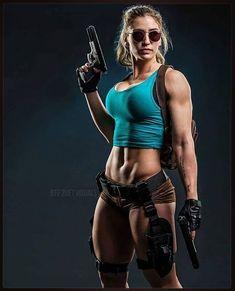 Cosplay Girls Lara Croft - Tomb Raider - 101 Cosplay and Art Lara Croft Cosplay, Mädchen In Uniform, Fitness Models, Modelos Fitness, Military Women, Steam Punk, Cosplay Girls, Fit Women, Pin Up