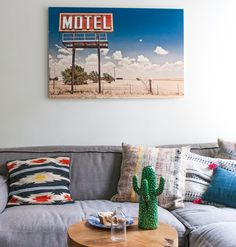 Take our quiz to find out which wall art suits you and your home best. Le Living, Quiz, Inspirational Wall Art, Diy Photo, How To Find Out, Photo Wall, Gallery Wall, Throw Pillows, Frame