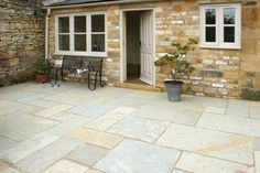 pavestone.co.uk  Pavestone Tudor Antique Cathedral Paving