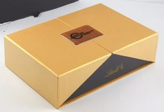 Gift Box with Lindor Truffles and Chocolate Bar Corporate Awards, Corporate Gifts, Chocolate Bars, Lindor, Creating A Brand, Food Containers, Food Gifts, Truffles, Truffle