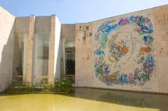 Musée Marc Chagall, Nice, Côte d'Azur. Beautiful purpose built museum to house the biblical period paintings. Excellent.