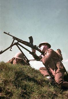als ik film wil kijken moet het wel een film zijn over oorlog, dat is een van de dingen die mij interesseren en in oorlogs filmen komt de meeste actie voor