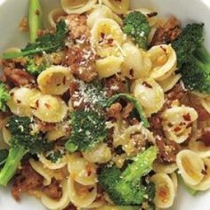 Pasta With Turkey and Broccoli. Fusilli pasta goes well with this! Fast Dinner Recipes, Fast Dinners, Summer Recipes, Speedy Recipes, Quick Meals, Pasta Recipes, Cooking Recipes, Healthy Recipes, Cooking Time
