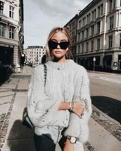 stylish sweaters outfit for cold winter 34 ~ my.me stylish sweaters outfit for cold . Mode Outfits, Casual Outfits, Fashion Outfits, Fashion Trends, Fashion Ideas, Beach Outfits, Travel Outfits, Night Outfits, Fashion Styles