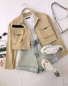 Girls Fashion Clothes, Teen Fashion Outfits, Mode Outfits, Retro Outfits, Cute Casual Outfits, Stylish Outfits, Girl Outfits, Tumblr Outfits, Korean Girl Fashion