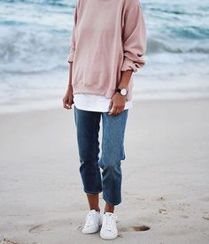 How to Wear White Sneakers for Spring Outfits that You Must Know https://fasbest.com/white-sneaker-for-spring-outfits/