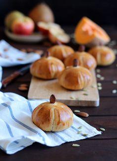Calabazas de pan de mantequilla con centeno y semillas