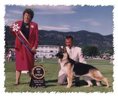 Woodside;s first Best in Show BIS CH Woodside Ebony of Brookswood and handler Peter Faucher