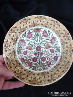 ZSOLNAY BAROCK GOLDBROKAT 1878-85 -21.5 CM PERFEKT HIBATLAN Decorative Plates, Gold, Tableware, Kitchen, Home Decor, Baroque, Cuisine, Homemade Home Decor, Dinnerware