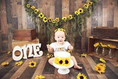 1st Birthday Pictures, 1st Birthday Themes, First Birthday Parties, Birthday Ideas, Sunflower Birthday Parties, Sunflower Party, Giraffe Birthday, Baby Girl 1st Birthday, Sunshine Birthday