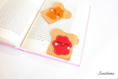 Felt bread with peanut butter or jam corner bookmark by Lanatema