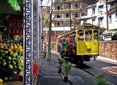 Bondinho de Santa Teresa - Rio de Janeiro, RJ, quando ainda estava em operação. Esta foto, de 2005, por Carlos Alkmin