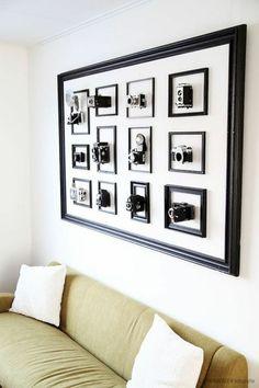 manualidades con fotos, interesante decoración para la pared, marco de madera pintado en negro con foto cameras decorativas