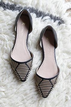 Amazing Pointy Toe Flat – The Loft Boutique