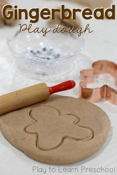 Make a batch of this gingerbread play dough for young children. Roll it out to make cookies, then retell the story of the gingerbread man! via @PlayToLearnPS