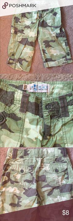 Children's place size 12 girl camo capris Children's place size 12 girls Capris Children's Place Bottoms Shorts
