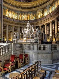 La Madeleine, Paris: a church dedicated to St. Mary Magdalene in Paris. It was designed as a classical temple to the glory of Napoleon's army. Travel in France with confidence when you grab a copy of the MOST COMPLETE French travel phrasebook available. With more than 2,000 words and phrases for all kinds of travel scenarios. Plus free audio, menu reader, cultural guide, and pronunciation guide. Get it here: https://store.talkinfrench.com/product/french-phrasebook/