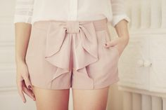 cute little bow shorts! Bow Shorts, Cute Shorts, Pink Shorts, Pastel Shorts, Dressy Shorts, Ruffle Shorts, Summer Shorts, Tailored Shorts, Summer Outfit