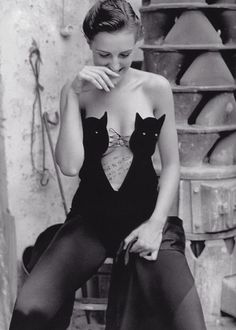 Cats rule and dogs drool. Helmut Lang by William Claxton 1989.