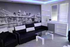 Remont , Duży pokój przed i po w Kawalerce 31 m2 w bloku . Living room b...