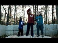 ▶ Hanukkah Song 2011: Menorah Hearts: The B-Boyz - YouTube