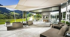 Paola Lenti luxury outdoor furniture and indoor furniture creates new design landscapes where opposites become complementary: past and present, interior and exterior, tradition and technology. Lush, Therme Vals, Outdoor Tables, Outdoor Decor, Zen, Paola Lenti, Candle Accessories, Be Natural, Bedding Sets