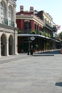 French Quarter, Lafayette Square - Place De Armes My favorite hotel on planet! New Orleans City, New Orleans Homes, New Orleans Louisiana, New Orleans Architecture, Lafayette Square, New Orleans Mardi Gras, New Orleans French Quarter, Crescent City, Gulf Of Mexico