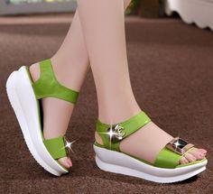 Fancy Shoes, Pretty Shoes, Cute Shoes, Me Too Shoes, Oxford Shoes Heels, Shoe Boots, Ways To Lace Shoes, Melissa Shoes, Comfortable Shoes
