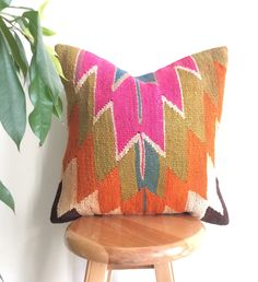 Decorative pillow cover made with a vintage Turkish Hand woven Kilim rug. Add a wonderful Rustic touch to your decor! Kilim Pillows, Kilim Rugs, Throw Pillows, Cushions, Crochet Instructions, Decorative Pillow Covers, Decor Interior Design, Print Patterns, Living Room Decor