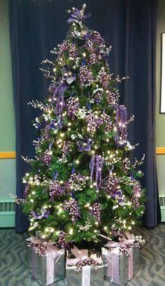 Purple Christmas Tree Year 2010 Designed by SPalmer Purple Christmas Tree, Christmas Tree Crafts, Christmas Tree Design, Beautiful Christmas Trees, Christmas Love, All Things Christmas, Christmas Holidays, Xmas Theme, Christmas Tree Decorations