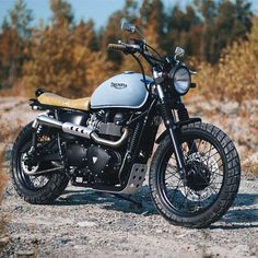 """Meet 'Elizabeth' the Triumph Bonneville, the latest build from @clockworkmotorcycles. These guys don't disappoint! Photo by @cimonbrouillette. #croig…"""