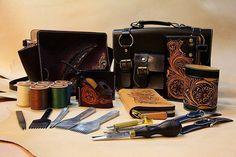 #handcrafted #handwork #handmade #handbag #leather #leathercraft #leathergoods #leatherbag #leatherwork #goodmorning by sinceleathercraft #tailrs