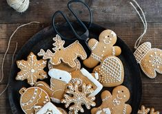 Lebkuchen Cookie's als Baumschmuck | Meine Kuechenschlacht Christmas Sweets, Christmas Deco, Christmas Projects, Xmas, Healthy Waffles, Healthy Sweets, Made By Mary, Ginger Bread Cookies Recipe, How To Make Cookies