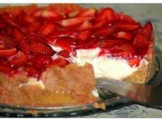 Receita de Torta de morango fantástica - Tudo Gostoso