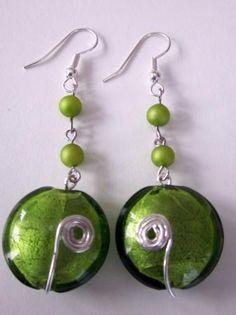 Jolies boucles d'oreilles sur base d'une perle de murano.