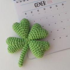 for cute detailing Quick Crochet, Crochet Home, Crochet Gifts, Cute Crochet, Crochet Baby, Knit Crochet, Crochet Flower Patterns, Crochet Flowers, Knitting Patterns