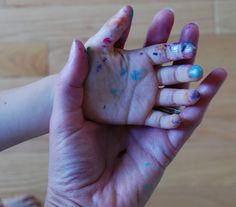 Let's talk about art: How to respectfully talk with your kids about they art they create from the viewpoint of an art therapist momma. (Psst - this works with adult art, too)