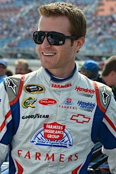 PHOTOS (Sept. 18, 2012): Kasey Kahne and the No. 5 team at Chicago. More: http://www.hendrickmotorsports.com/news/photos/2012/09/18/Kasey-Kahne-and-the-No-5-team-at-Chicago#.